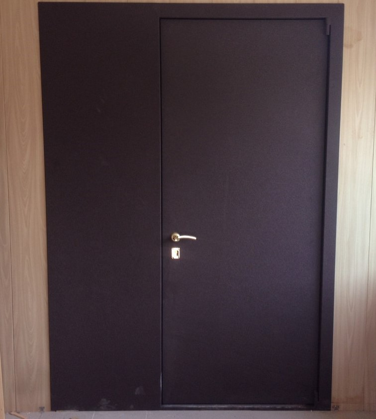Двери с боковой фрамугой